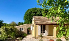 Detached house 87 m² in Corfu