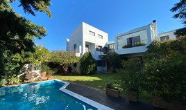 بيت مستقل 305 m² في أتيكا