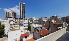 Business 684 m² in Athens