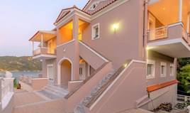 Detached house 272 m² in Corfu