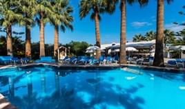 Hotel 1411 m² na Kritu