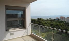 Stan 93 m² na Atici