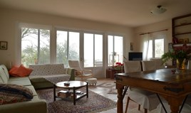 Villa 215 m² in Corfu