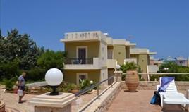 Hotel 470 m² in Crete
