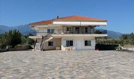 Villa 400 m² on the Olympic Coast