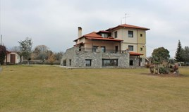 Villa 450 m² on the Olympic Coast