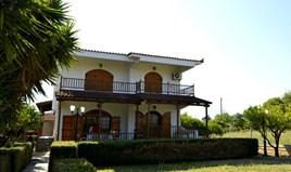 独立式住宅 240 m² 位于伯罗奔尼撒半岛东部