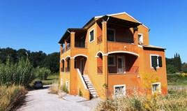 بيت مستقل 270 m² في كورفو
