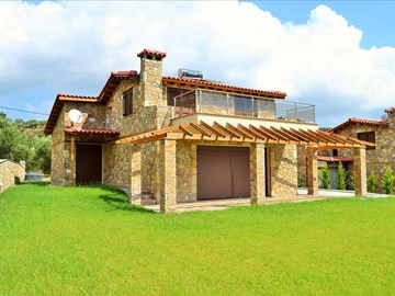 Detached house Kassandra