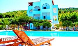 Hotel 800 m² na Atici