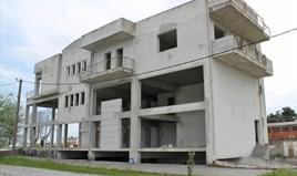 Geschaeft 960 m² an der Olympischen-Riviera