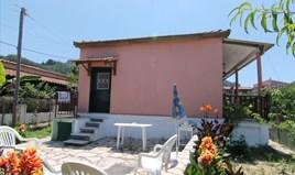 独立式住宅 72 m² 位于科夫岛