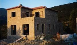 独立式住宅 280 m² 位于伯罗奔尼撒半岛东部