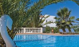 Hotel 1200 m² na Kritu