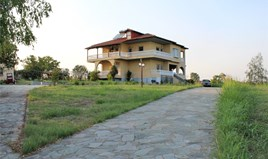 Villa 300 m² an der Olympischen-Riviera