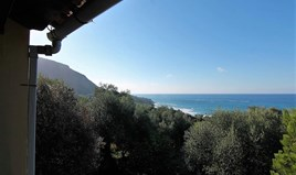 Detached house 134 m² in Corfu