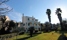 Detached house 340 m² in Corfu