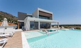 კოტეჯი 270 m² კრეტაზე