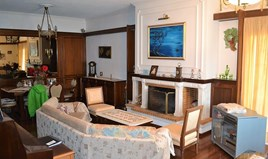 Detached house 380 m² in Corfu