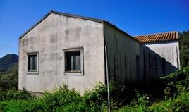 أرض 6500 m² في كورفو