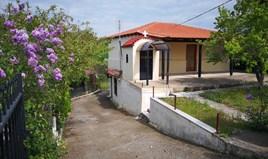 Kuća 160 m² u predgrađu Soluna