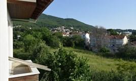 Kuća 240 m² u predgrađu Soluna