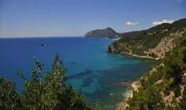 Land 13700 m² in Corfu
