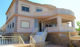 Detached house 530 m² in Corfu