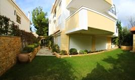 Stan 175 m² na Atici