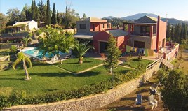 Villa 635 m² in Corfu