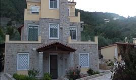独立式住宅 190 m² 位于伯罗奔尼撒半岛东部