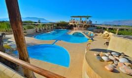 Готель 1000 m² на Криті