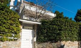 Business 680 m² in Athens