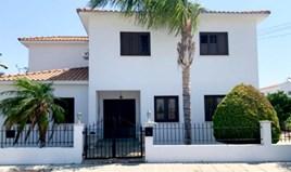 Einfamilienhaus 270 m² in Larnaka