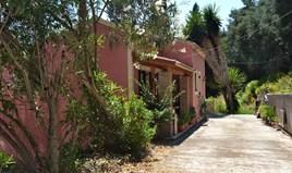 بيت مستقل 114 m² في كورفو