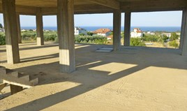 Detached house 450 m² on the Olympic Coast