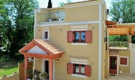 بيت مستقل 161 m² في كورفو